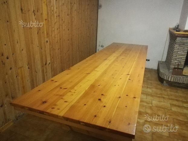 Tavolo di abete