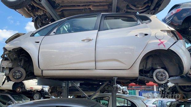 Kia VENGA D4FC 1396CC 66KW TDI 2011 150.000KM