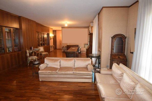 Rif.2460RA70428| appartamento quadrilocale