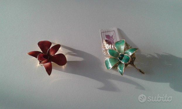 Spilla a fiore placcata con oro 24 carati