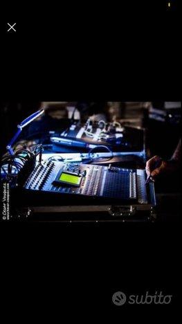 Mixer YAMAHA 01 R 96 VCM + ADA8000 E FLIGHT CASE