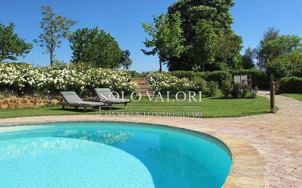 Casa singola con giardino e piscina a Castelfranco