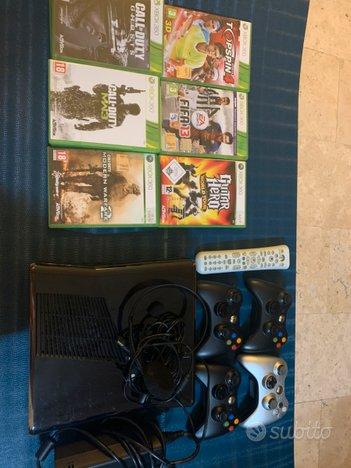 Xbox360 + 4joystick + telecomando e cuffie +giochi