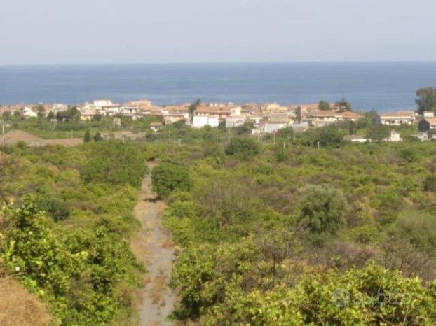 Rustico e terreno panoramico 9 ettari santa tecla