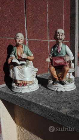 Vaso in terracotta+statuine in ceramica