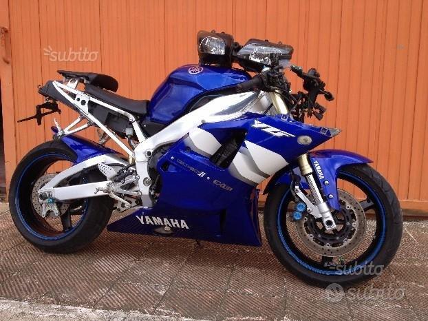 Yamaha r1 2001 ricambi R1 yzf 1000 km. 19.000
