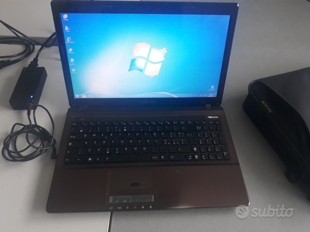 ASUS X53 4GB RAM 2,1GHz-HDD 500GB