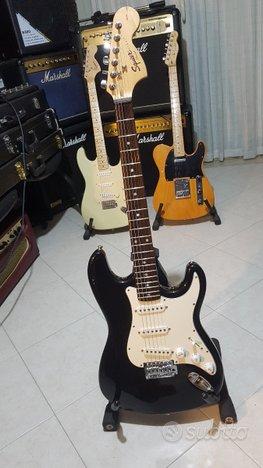 Chitarra Fender con manico Squier