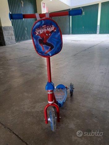 Monopattino Spiderman