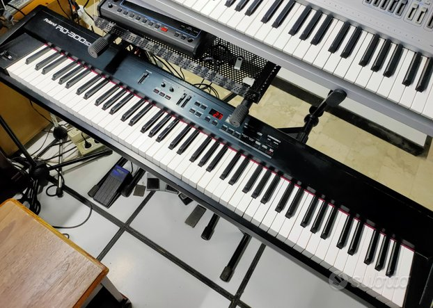 Stage Piano Roland RD 300 SX