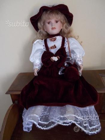 Bambola antica di porcellana grande