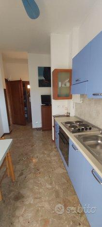 GIULIA IMM. Camera Cucina con CANTINA