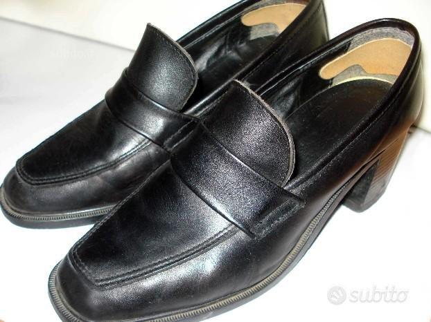 Scarpe nere donna nr. 38