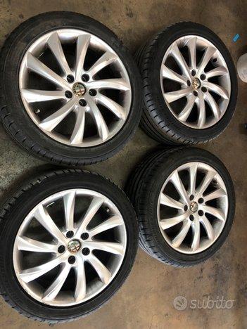 Cerchi in lega originali più pneum per GIULIETTA