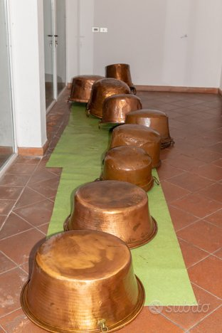 Collezione tavoli paioli in rame antichi veneti