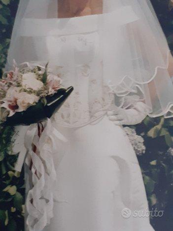 Romantico abito da sposa in seta