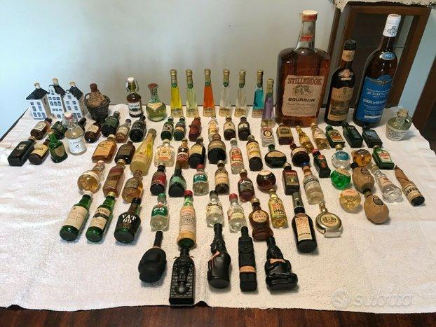 Collezione di 85 mignon e 3 bottiglie di alcolici