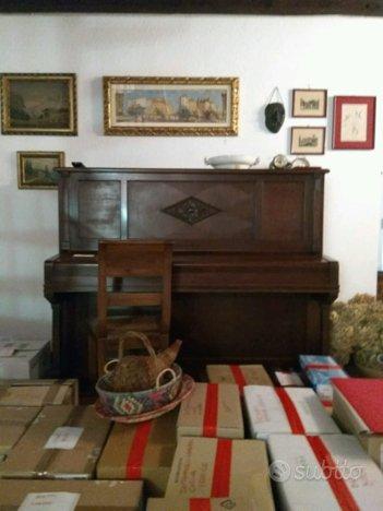Pianoforte verticale Ronisch