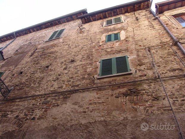 Fabbricato a Sant'Angelo in Vado (PU)