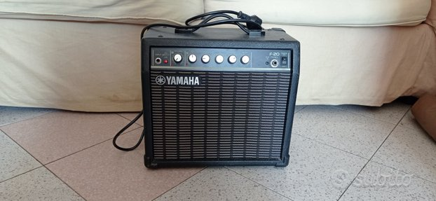 Amplificatore per chitarra Yamaha F20