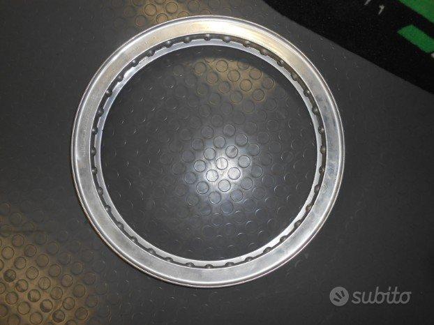 cerchio borrani 17x1 85