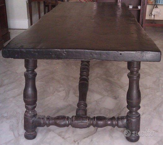 Antico tavolo fratino del '700 in legno massello