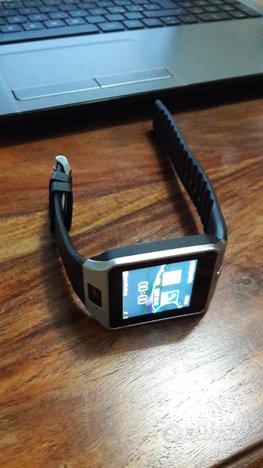 Smartwatch nero o bianco