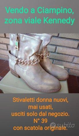 Stivaletti donna nuovi color oro n°39 a Ciampino
