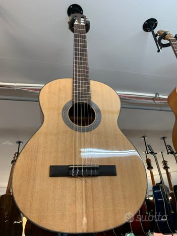 Chitarra Classica CORT AC120( Nuova )