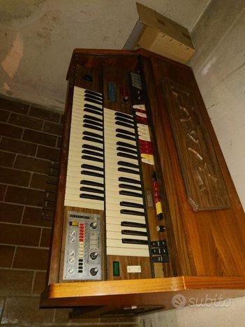 Organo vintage modello FARFISA 2 tastiere