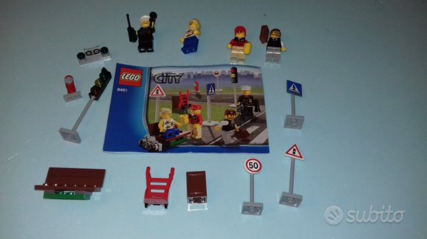LEGO 8401 - minifigures city e accessori