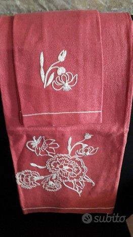Asciugamani in lino rosa ricamati grande e piccolo
