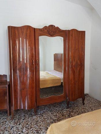 Vintage : armadio in legno anni '40