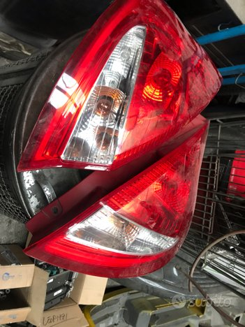 Fanali post Ford Fiesta anno 2011