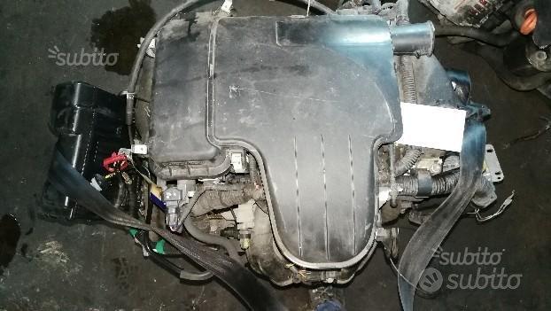 Motore toyota yaris 1.0cc 3 cilindri sigla 1kr