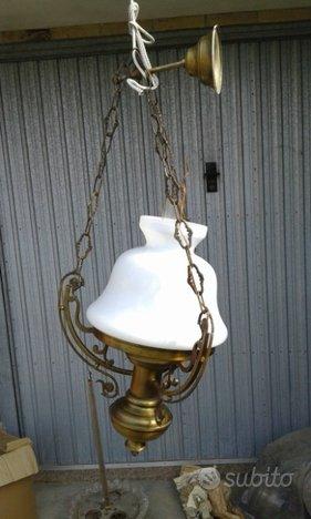 Vecchissimo lampadario