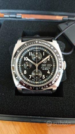Luminox P38 chronographe