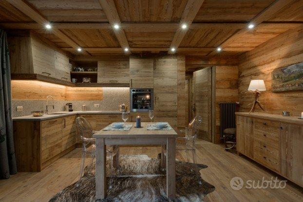 Antine legno vecchio cucina shabby arredamento e for Subito it arredamento e casalinghi
