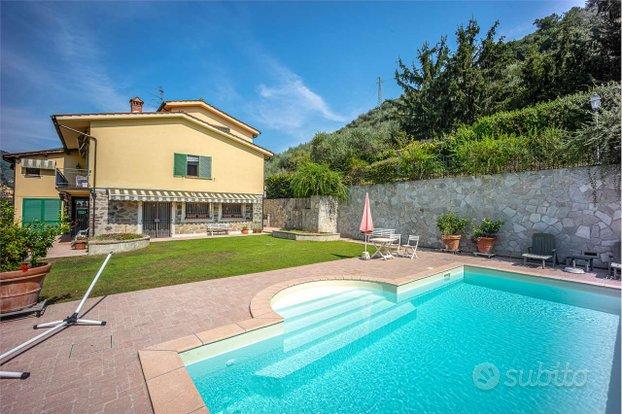 Villa a Pescia