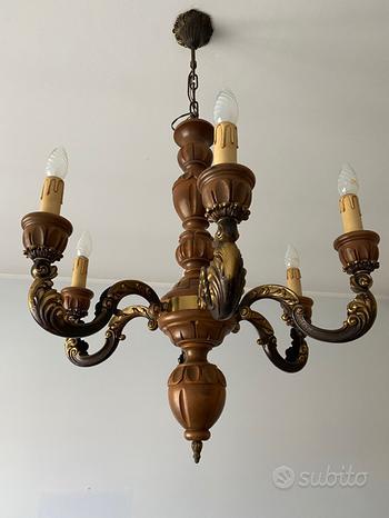 Lampadario in legno e metallo