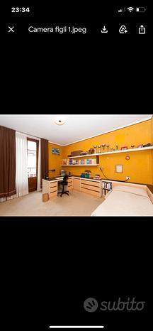 Camera singola usata ocra o azzurra