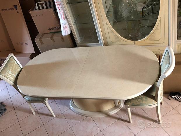 Tavolo da soggiorno elegante + sedie