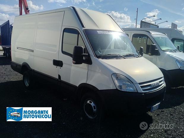 Iveco Daily 35C12 furgone medio ruote gemellate