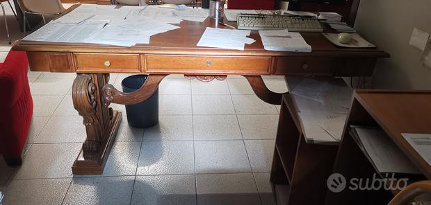 Scrivania in legno, antica