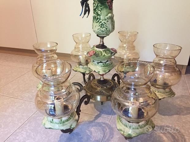 Lampadario d'epoca in ottone e ceramica