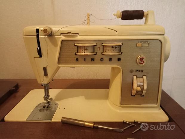 Macchina da cucire e mobile
