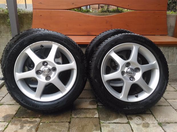 Cerchi in lega Toyota Yaris Ts + gomme 4 stagioni