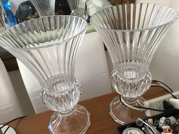 Vasi di cristallo a coppa