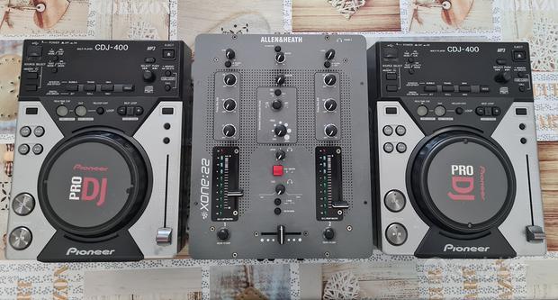 Lettori pioneer cdj 400+mixer allen heat xone 22