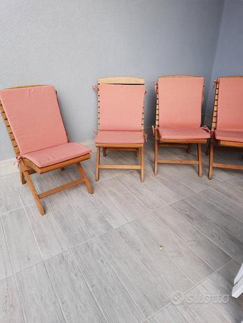 Sedie in legno con coprisedia